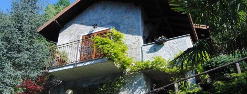 Smuk rustico/stenhus nyligt restaureret til salg ved Comosø